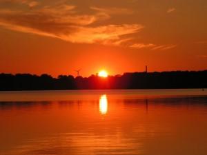 Sonnenuntergang am Cospudener See (Leipzig)